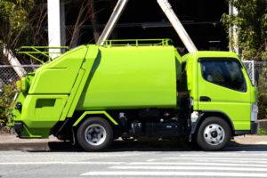 草刈りの後始末をゴミ回収業者に依頼する